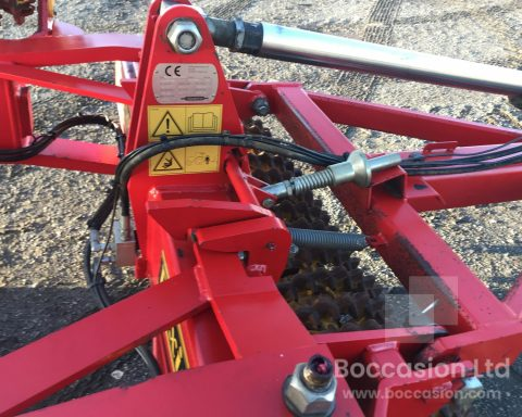 Vaderstad Rexuis RS 1020 Crosskill roller.
