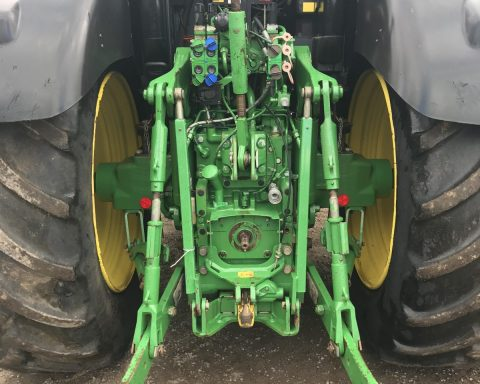 John Deere 6190R 40k Auto-Power, air brakes front pto.