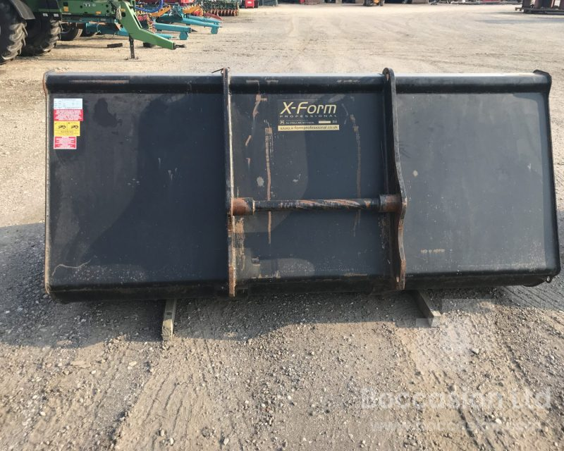 Strimech 2m3 grain bucket for manitou
