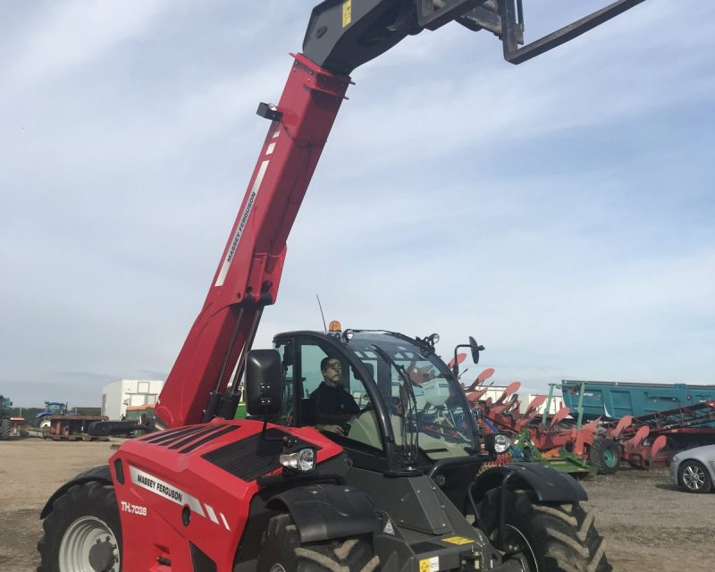 Massey Ferguson TH7038 telescopic handler