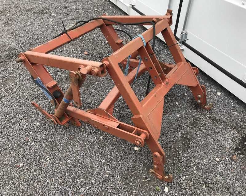 Kuhn rear over linkage