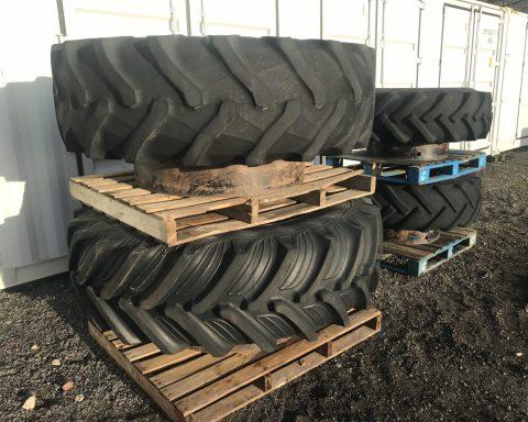 Stocks AG 20.8R42 Dual wheels