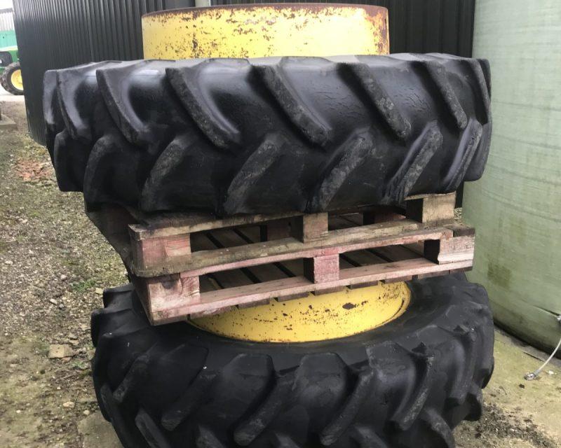 Stocks Ag 18,4R38 dual wheels