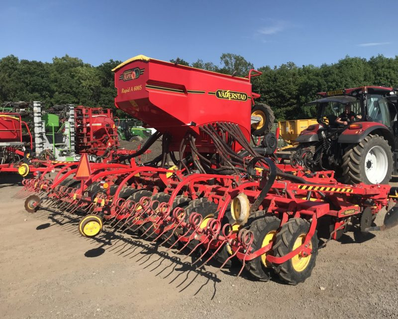 Vaderstad Rapid RDA 600S 3 rows seeding kit.