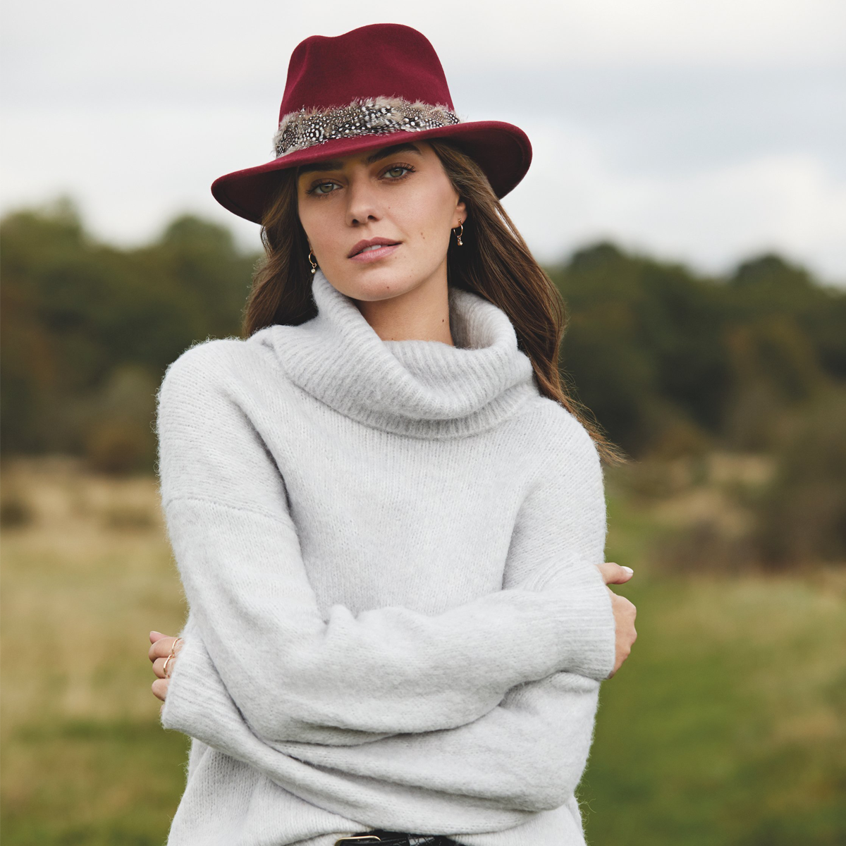 Hicks & Brown The Suffolk  Fedora (Guinea Feather Wrap) – Maroon