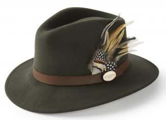 Hicks & Brown The Suffolk Fedora (Guinea & Pheasant Feather) – Olive Green
