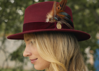 Hicks & Brown The Chelsworth Fedora (Coque & Pheasant Feather) – Maroon