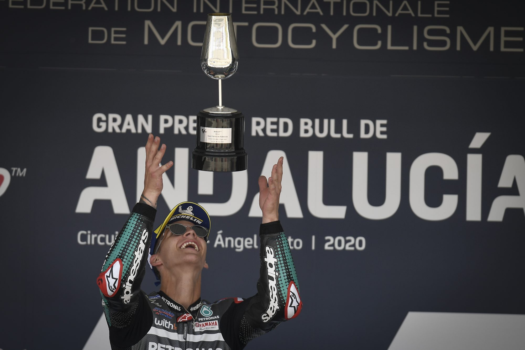 Undefeated: Quartararo bolts to victory ahead of Viñales and Rossi