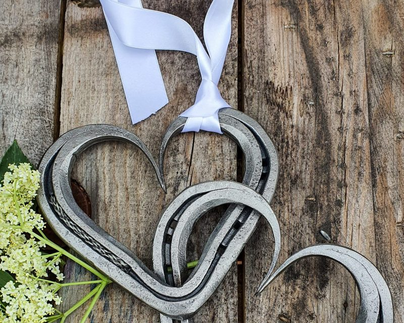 Braided Horsehair Linked Pair of Horseshoe Hearts