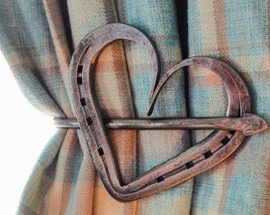 Horseshoe Heart Curtain Holdback Pair