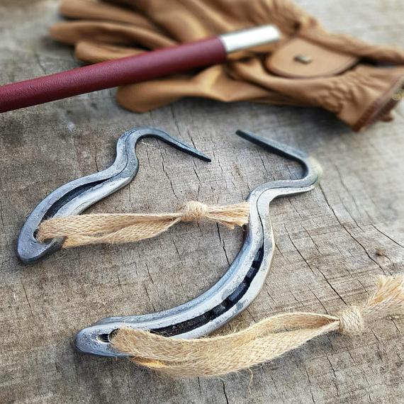 Horseshoe Hoofpick Pair – Standard & Mini