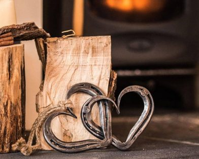Linked Pair of Horseshoe Hearts
