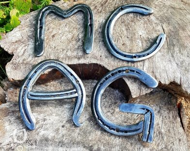 Make Your Own Horseshoe Sign