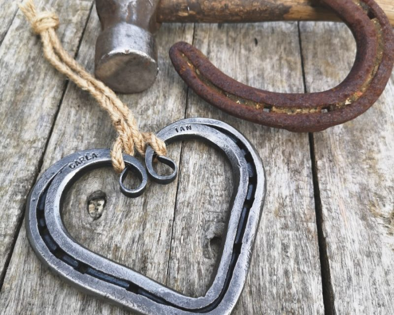 Scroll Detail Horseshoe Heart