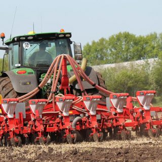KVERNELAND OPTIMA MAIZE DRILL
