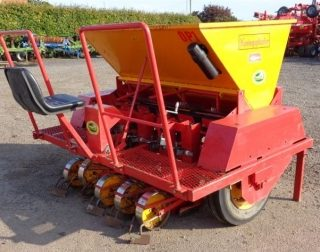 KONINGS 5 ROW ONION PLANTER FOR HIRE