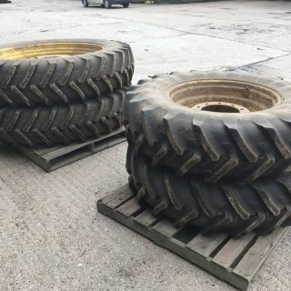 MICHELIN TRACTOR RIMS AND TYRES Fronts: 380/85R30 – Rears: 380/90R46
