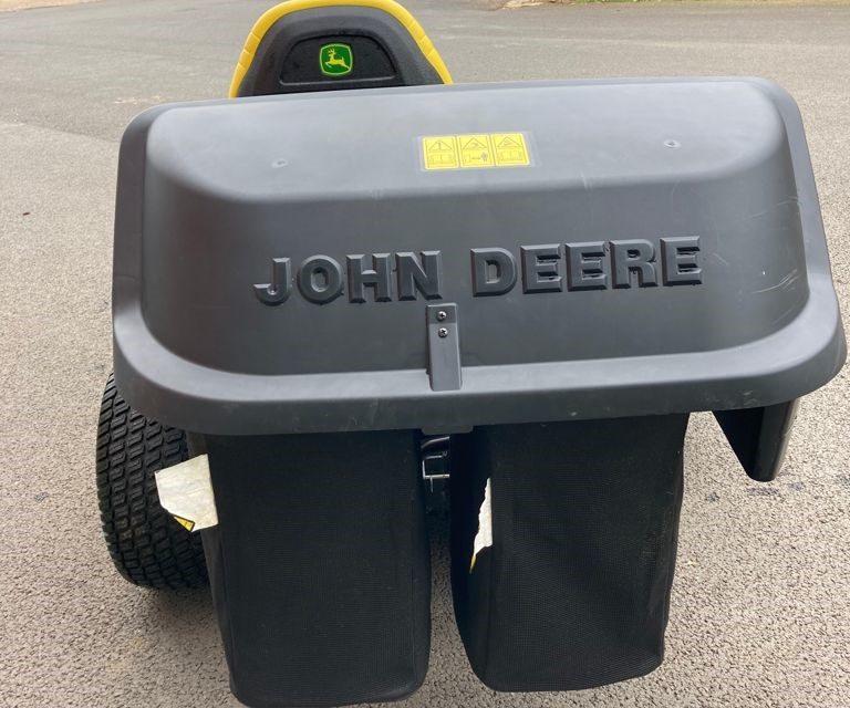 JOHN DEERE X584 RIDE ON MOWER