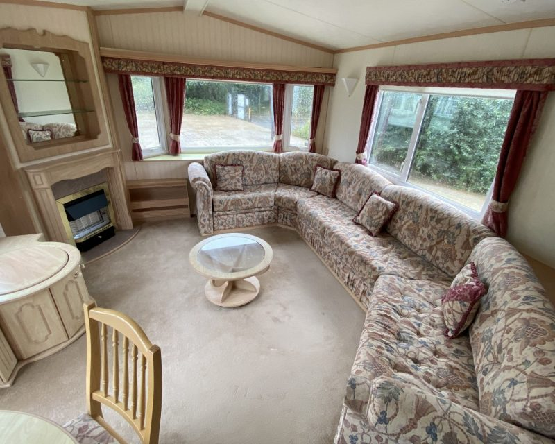 Willerby Lyndhurst 37ft X 12ft DOUBLE GLAZED & CENTRAL HEATING