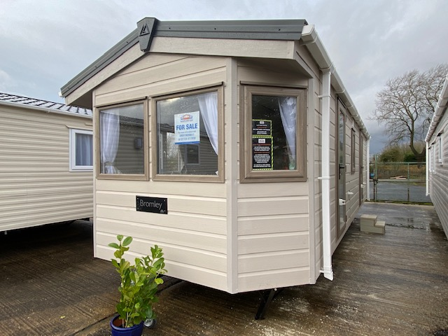 Delta Bromley 28ft x 10ft – BRAND NEW