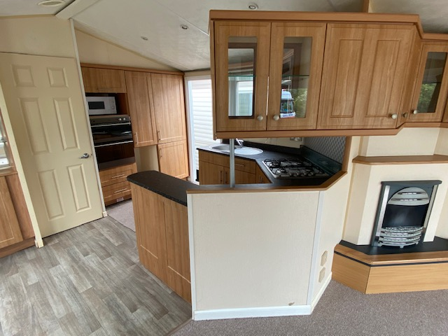Willerby Winchester 38ft x 12ft DOUBLE GLAZE, CENTRAL HEATED, PITCHED ROOF