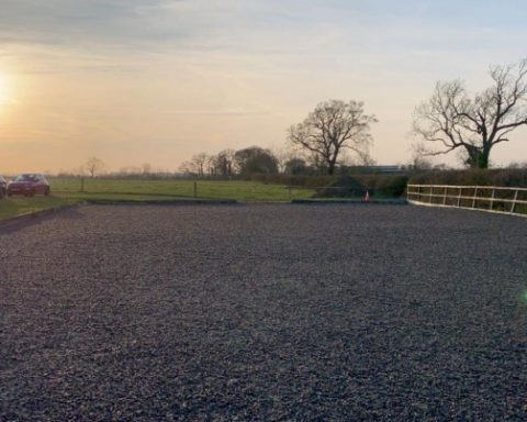 Private Livery yard near Padbury