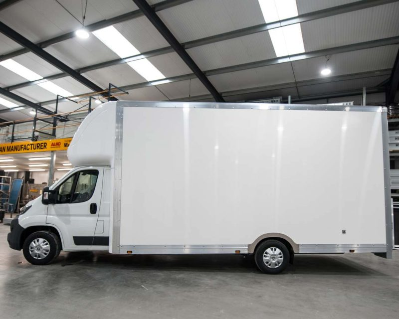 Fiat GiantMAX 5.6M x 2.7M Extra-High Roof