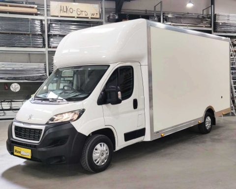 Peugeot GiantMAX 5.6M x 2.5M High Roof