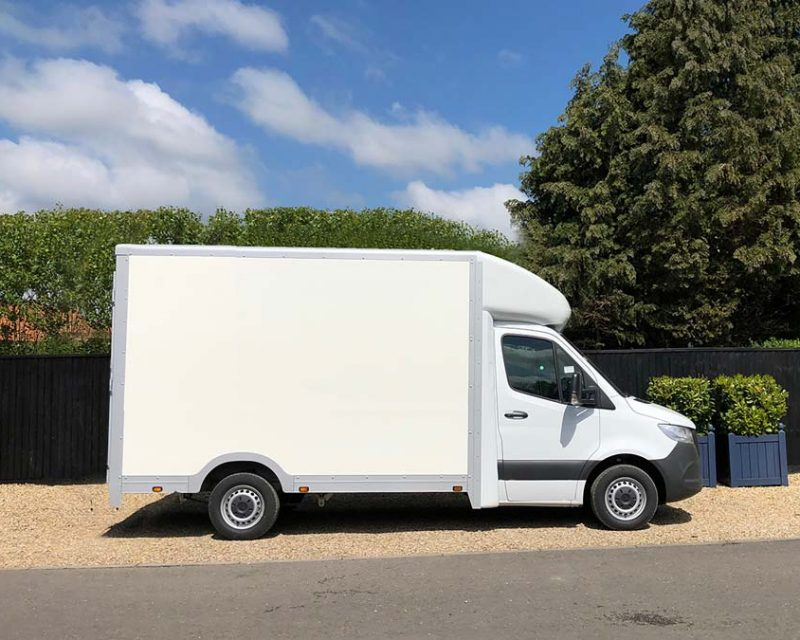 Mercedes SprintMAX 4.1M x 2.3M Medium Roof Low Floor Van