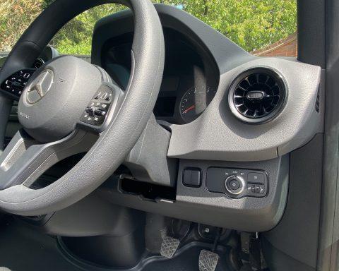 Mercedes SprintMAX GT Vantage 4.5M x 2.3M Medium Roof Low Loader Luton Van – GREY