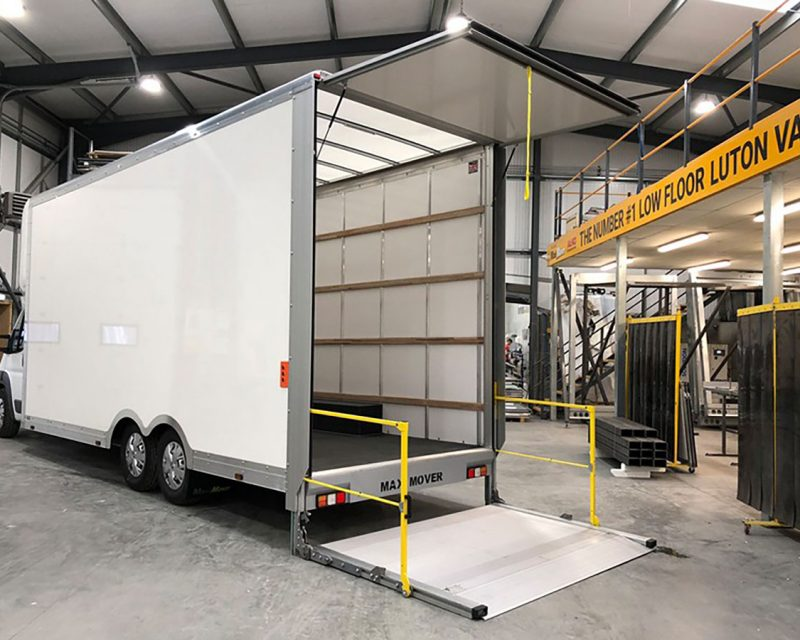 hgv-tail-lift-open