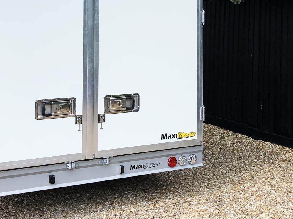 maxi-mover-rear-panel