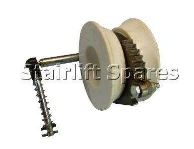Pinion Roller Assy LH (250 & 260)
