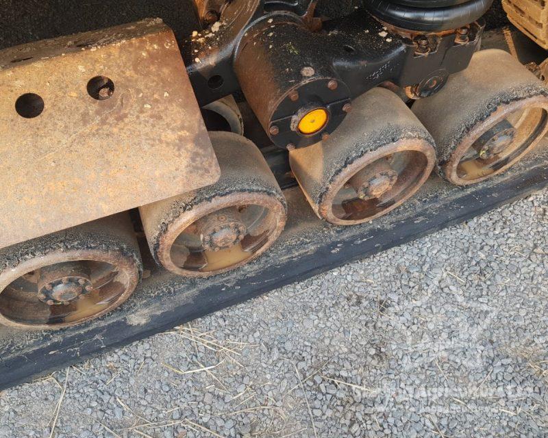 CAT 75E Crawler