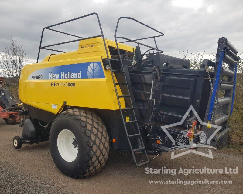 New Holland BB9090 Baler