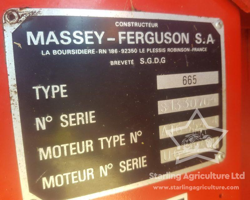 Massey Ferguson 665 Combine