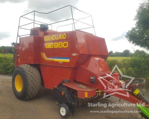 New Holland BB980 Baler